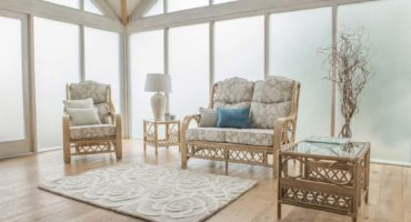 Colonial conservatory furniture